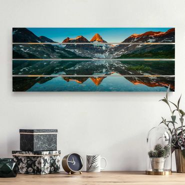Holzbild - Berglandschaft am Lake Magog in Kanada - Querformat 2:5