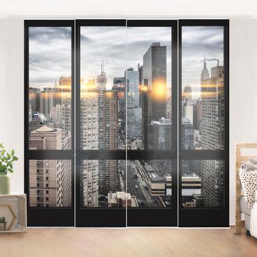 Schiebegardinen Set - Fensterblick New York mit Sonnen-Reflexion - Flächenvorhänge