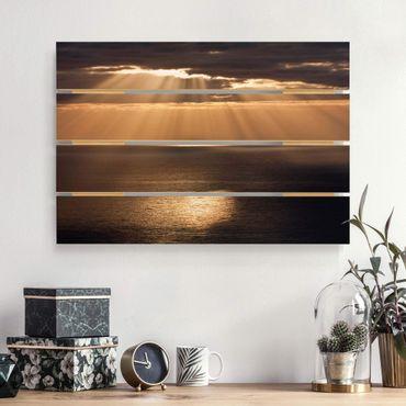 Holzbild - Sonnenstrahlen über dem Meer - Querformat 2:3