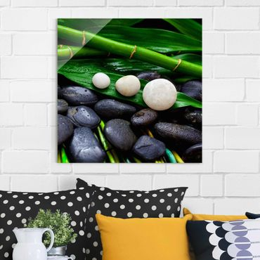 Glasbild - Grüner Bambus mit Zen Steinen - Quadrat 1:1