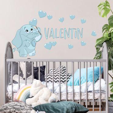 Wandtattoo mit Wunschtext - Blauer Babyelefant mit vielen Herzen