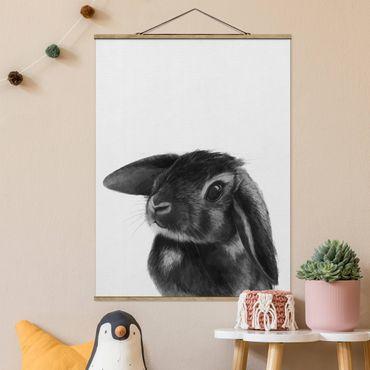Stoffbild mit Posterleisten - Laura Graves - Illustration Hase Schwarz Weiß Zeichnung - Hochformat 4:3