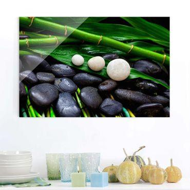 Glasbild - Grüner Bambus mit Zen Steinen - Querformat 2:3