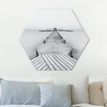 Hexagon Bild Alu-Dibond - Hölzerner Pier und Schwarz-weiß