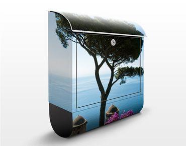 Briefkasten mit Zeitungsfach - Ausblick vom Garten aufs Meer - Hausbriefkasten Blau