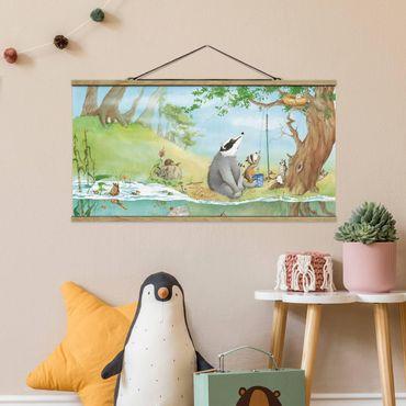 Stoffbild mit Posterleisten - Wassili Waschbär - Ein Fahrstuhl für Elsa - Querformat 2:1