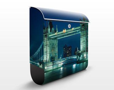 Briefkasten mit Zeitungsfach - Tower Bridge - Wandbriefkasten