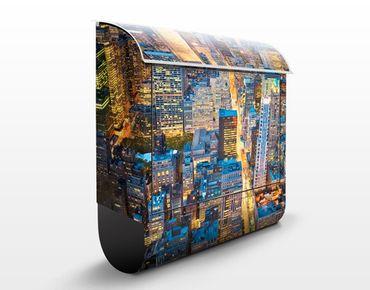 Briefkasten mit Zeitungsfach - Midtown Manhattan - New York