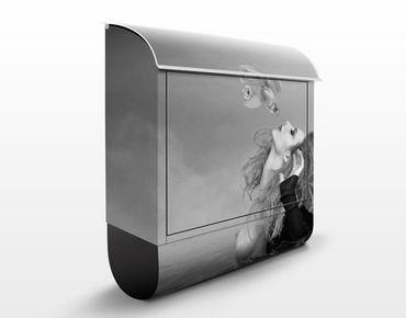 Wandbriefkasten - Kuss eines Goldfisches II - Briefkasten Grau