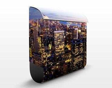 Briefkasten mit Zeitungsfach - New York Skyline bei Nacht - Wandbriefkasten
