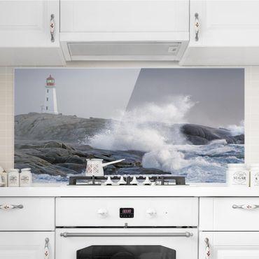 Spritzschutz Glas - Sturmwellen am Leuchtturm - Querformat - 2:1