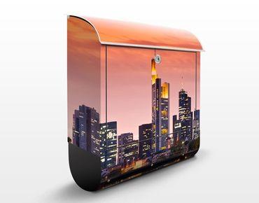 Briefkasten mit Zeitungsfach - Frankfurt Skyline - Wandbriefkasten