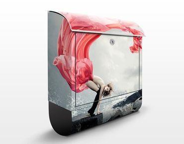 Design Briefkasten Frau am Meer 39x46x13cm