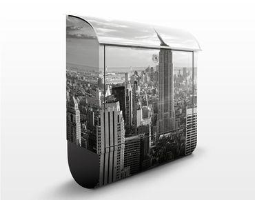 Briefkasten mit Zeitungsfach - Manhattan Skyline - New York Schwarz Weiß