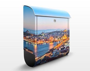 Briefkasten mit Zeitungsfach - Istanbul - Wandbriefkasten