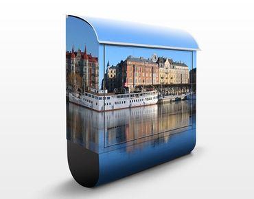Briefkasten mit Zeitungsfach - Stockholm - Wandbriefkasten