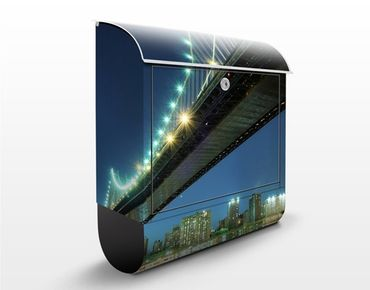 Briefkasten mit Zeitungsfach - Abstract Manhattan Bridge - New York