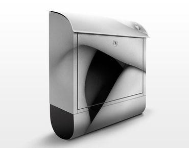 Design Briefkasten Seitlicher Frauenakt II 39x46x13cm