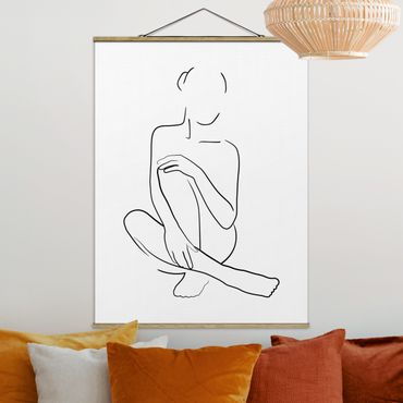 Stoffbild mit Posterleisten - Line Art Frau sitzt Schwarz Weiß - Hochformat 4:3