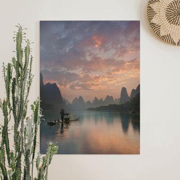 Leinwandbild - Sonnenaufgang über chinesischem Fluss - Hochformat 4:3