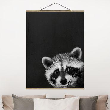 Stoffbild mit Posterleisten - Laura Graves - Illustration Waschbär Schwarz Weiß Malerei - Hochformat 4:3
