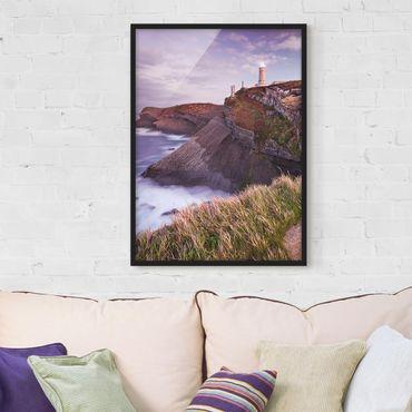 Bild mit Rahmen - Steilküste und Leuchtturm - Hochformat 3:4