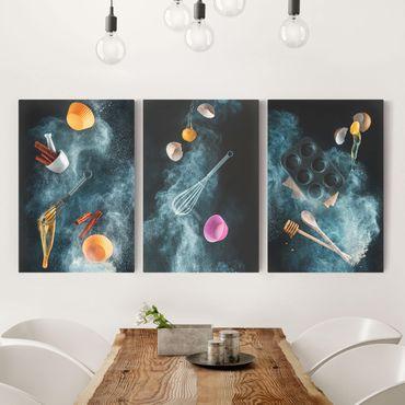 Leinwandbild 3-teilig - Küchen Chaos - Hoch 2:3
