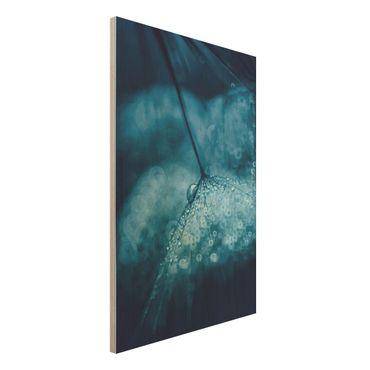 Holzbild - Blaue Pusteblume im Regen - Hochformat 3:2