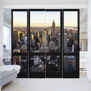 Schiebegardinen Set - Fensterblick am Abend über New York - Flächenvorhänge