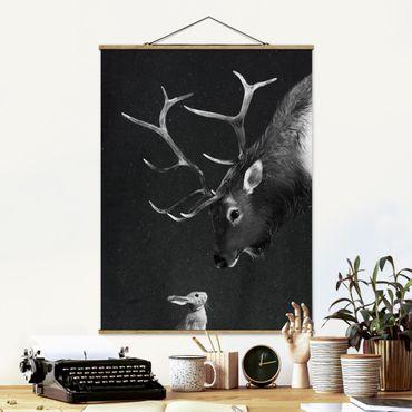 Stoffbild mit Posterleisten - Laura Graves - Illustration Hirsch und Hase Schwarz Weiß Malerei - Hochformat 4:3