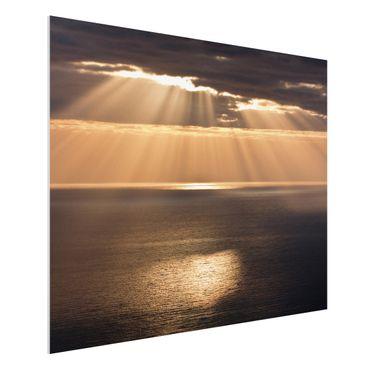 Forex Fine Art Print - Sonnenstrahlen über dem Meer - Querformat 3:4
