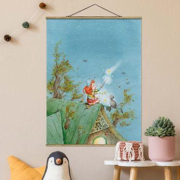 Stoffbild mit Posterleisten - Frida und Kater Pumpernickel lassen die Sterne frei - Hochformat 4:3