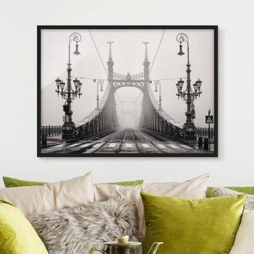 Bild mit Rahmen - Brücke in Budapest - Querformat 3:4
