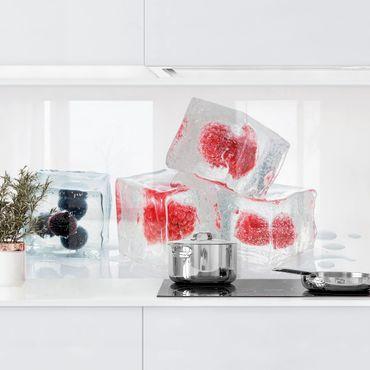 Küchenrückwand - Früchte im Eiswürfel