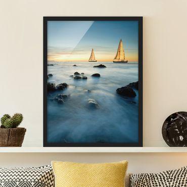 Bild mit Rahmen - Segelschiffe im Ozean - Hochformat 3:4