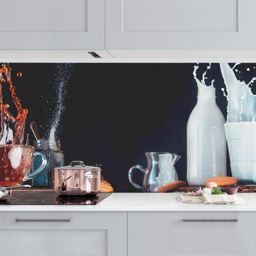 Küchenrückwand - Milch und Tee Komposition