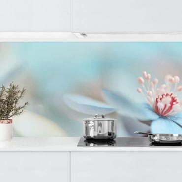 Küchenrückwand - Blüten in Hellblau