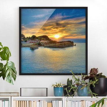 Bild mit Rahmen - Sonnenuntergang über Korfu - Quadrat 1:1