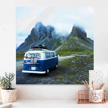 Glasbild - Campingbus in Island - Quadrat