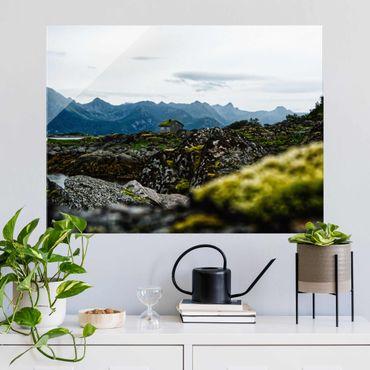 Glasbild - Einsame Hütte in Norwegen - Querformat