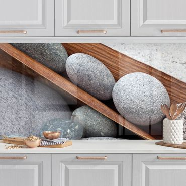Küchenrückwand - Stillleben mit grauen Steinen