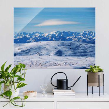 Glasbild - Verschneite Bergwelt - Querformat