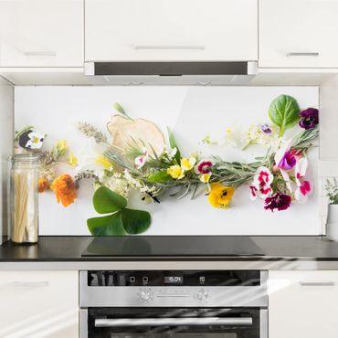 Spritzschutz Glas - Frische Kräuter mit Essblüten - Querformat - 2:1