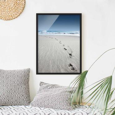 Bild mit Rahmen - Spuren im Sand - Hochformat 3:4