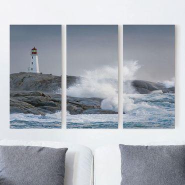 Leinwandbild 3-teilig - Sturmwellen am Leuchtturm - Hoch 1:2