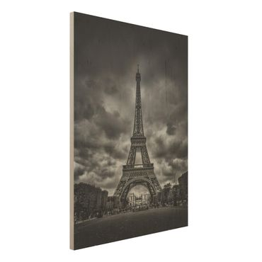 Holzbild - Eiffelturm vor Wolken schwarz-weiß - Hochformat 4:3