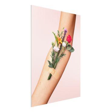 Forex Fine Art Print - Jonas Loose - Arm mit Blumen - Hochformat 4:3