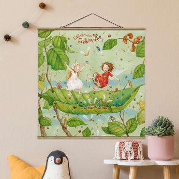 Stoffbild mit Posterleisten - Erdbeerinchen Erdbeerfee - Trampolin - Quadrat 1:1