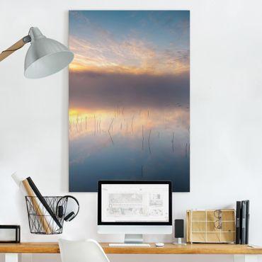 Leinwandbild - Sonnenaufgang schwedischer See - Hochformat 3:2