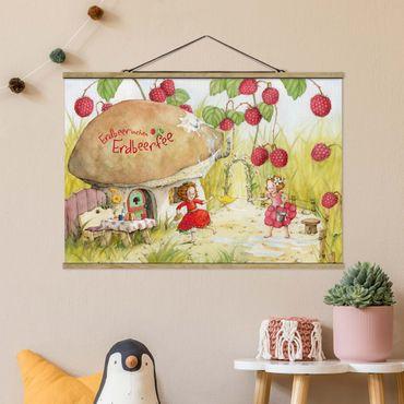 Stoffbild mit Posterleisten - Erdbeerinchen Erdbeerfee - Unter dem Himbeerstrauch - Querformat 3:2